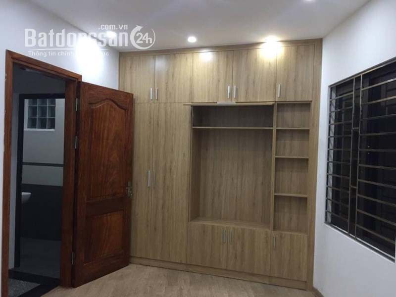 Cho thuê nhà Đường Nguyễn Lương Bằng, Phường Cát Linh, Quận Đống Đa
