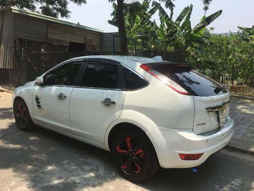 Cần đổi xe mới Santafee 2019 nên thanh lý xe này.Xe Ford Focus 1.8 AT số tự động.