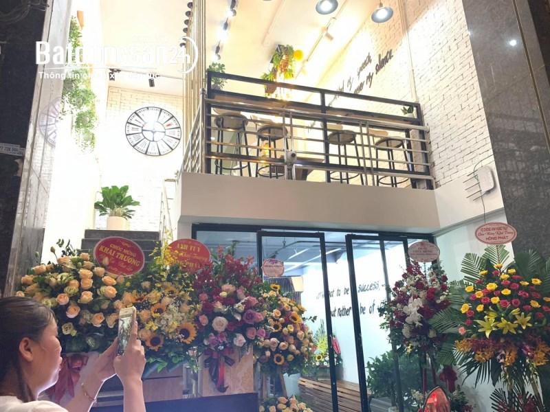 Nhượng gấp quán cafe tại cổng Đại học Hà Nội, Nguyễn Trãi, Thanh Xuân