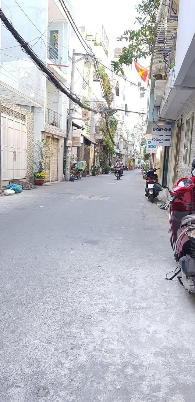 Bán nhà HXH đường Huỳnh Văn Bánh, Phú Nhuận, 70m2.