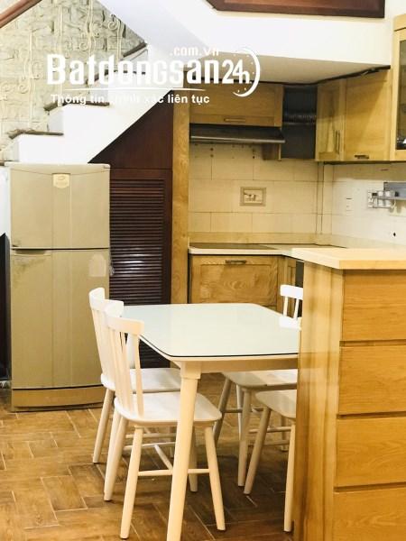 Cho thuê nhà 5 tầng x 40m2 ngõ 8 Thành Công, Ba Đình giá 12tr/th