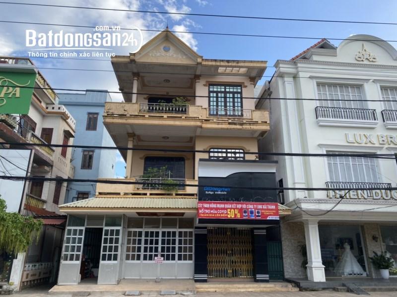 Cho thuê nhà 3 tầng, mặt tiền 10m, ngay trung tâm TP Đồng Hới, giá tốt
