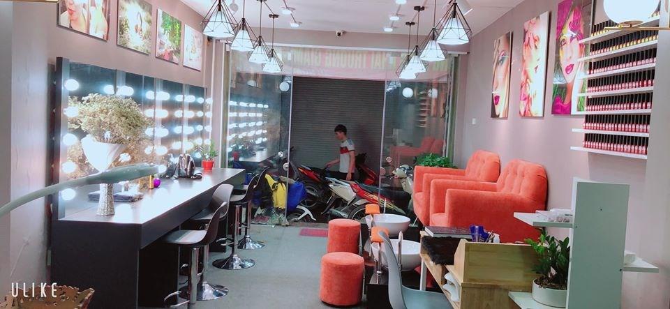 Cần sang nhượng cửa hàng Nail - Mi Makeup, gội đầu tại mặt ngõ 79 Cầu