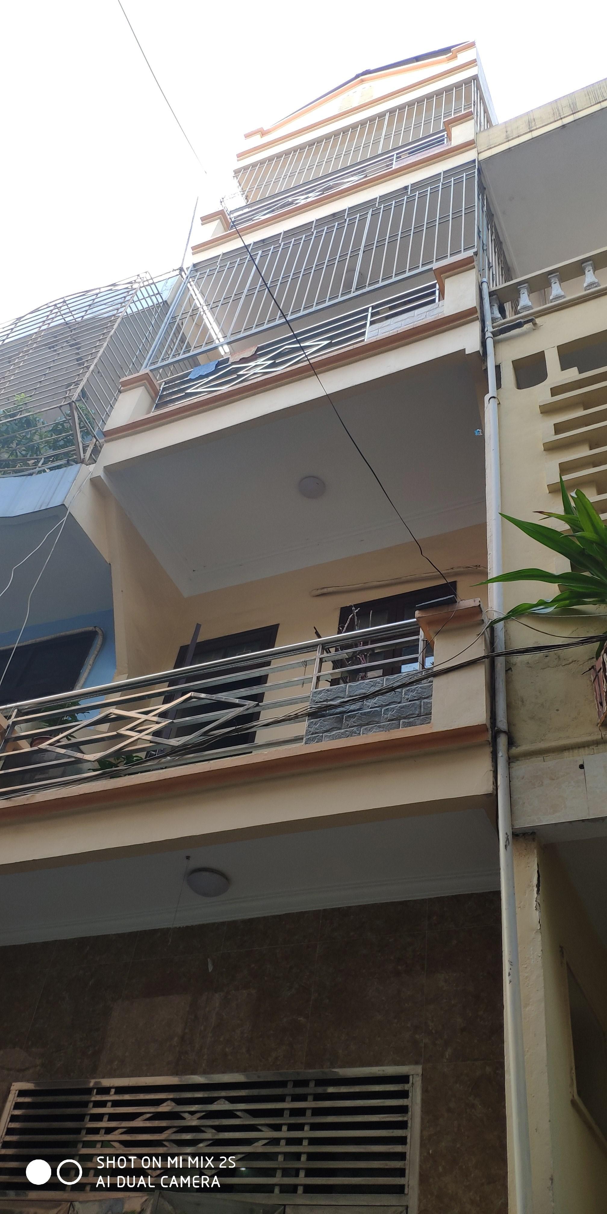 Cần bán nhà Ngô quyền hà đông 4 tầng xây dựng 250m