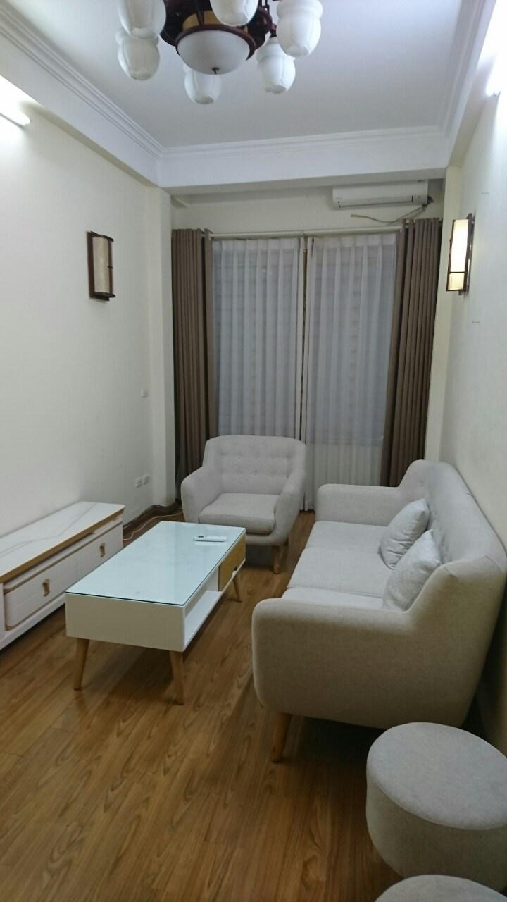 Cho thuê nhà riêng ngõ 10 Láng Hạ, Ba Đình 30m x5T có 2PN nhà đẹp có nội thất