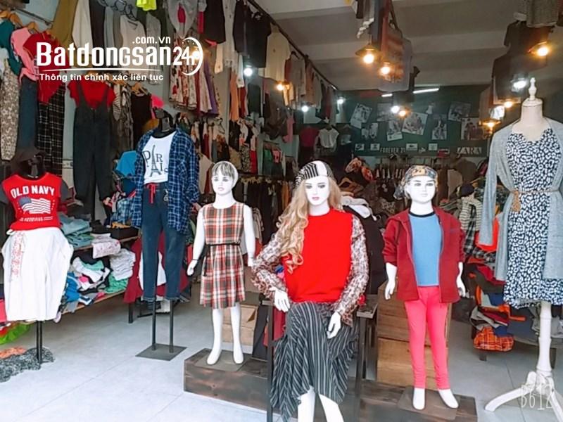 Cần sang shop quần áo 563 Phan Chu Trinh, Tam Kỳ Quảng Nam đối diện