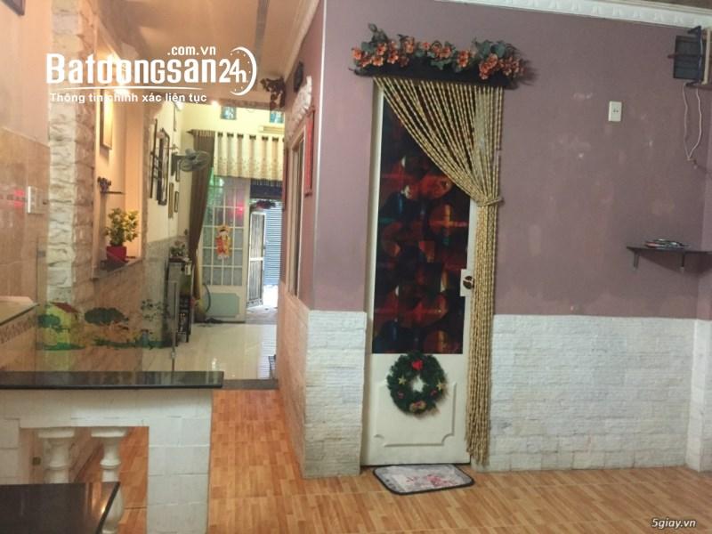 Cho thuê nguyên căn giá 11tr/tháng 903 Trần Xuân Soạn, gần BV Tân Hưng