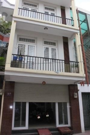 Cho thuê Khách sạn Bùi Viện gồm 15 phòng,Q1, DT: 4 x 20m, Giá thuê 100tr/th,