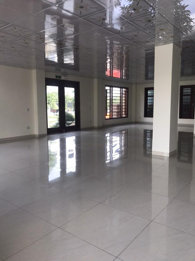 Cho ngân hàng, tập đoàn thuê làm VP đại diện, 700m2/2 sàn, đường Trường Chinh