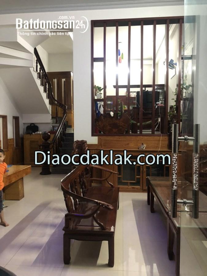 Cho thuê nhà nguyên căn 3 tầng mặt tiền Phan Đăng Lưu – 15 triệu/ tháng (Có Ảnh)