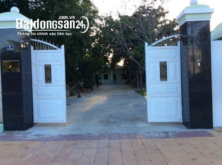 Bán gấp Khách Sạn 2025m2 tiêu chuẩn 1 sao tại Ninh Hải, Ninh Thuận.