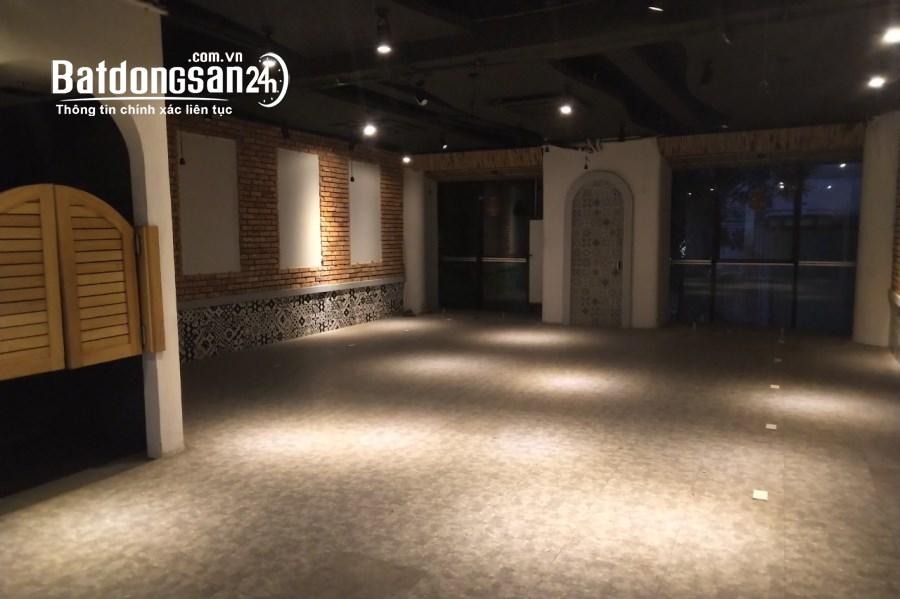 Cho thuê 4 tầng mỗi tầng 100m2, hầm để xe. Mặt phố ngã 4 Lý Nam Đế Trần Phú