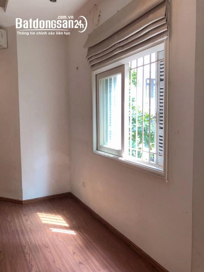 Cho thuê nhà ngõ 151B Thái Hà, 75m2x4,5T, mt 5m, thông sàn, giá 25 tr/th