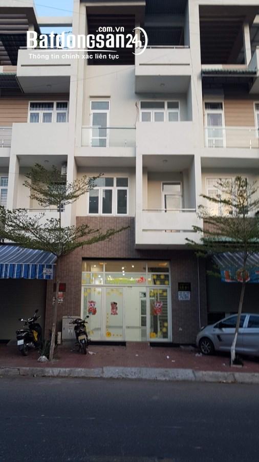 Cho thuê nhà LK Simona-Lô 08 mặt tiền Hoàng Văn Thụ-Quy Nhơn, tiện KD
