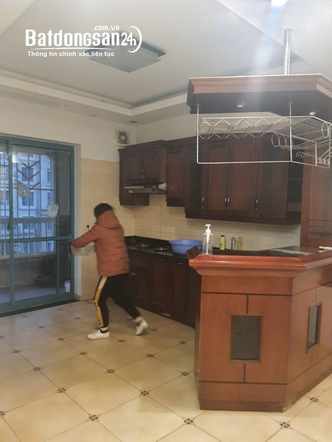 Chính Chủ cần bán  căn hộ CT5 Mỹ Đình Sông Đà DT 103m2. 3 ngủ 2 vệ sinh.