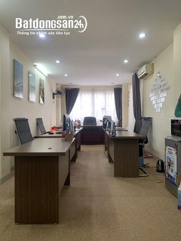 Cho thuê văn phòng mặt phố Nam Đồng. 50m2 đầy đủ điều hòa, bàn ghế