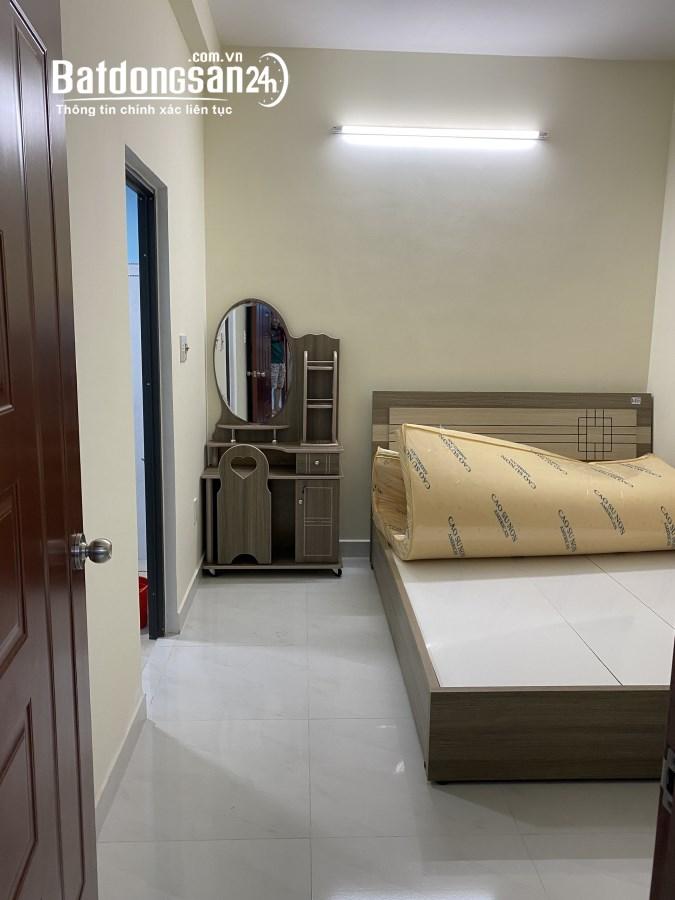 Cho thuê căn hộ 2pn đầy đủ nội thất ngay trung tâm