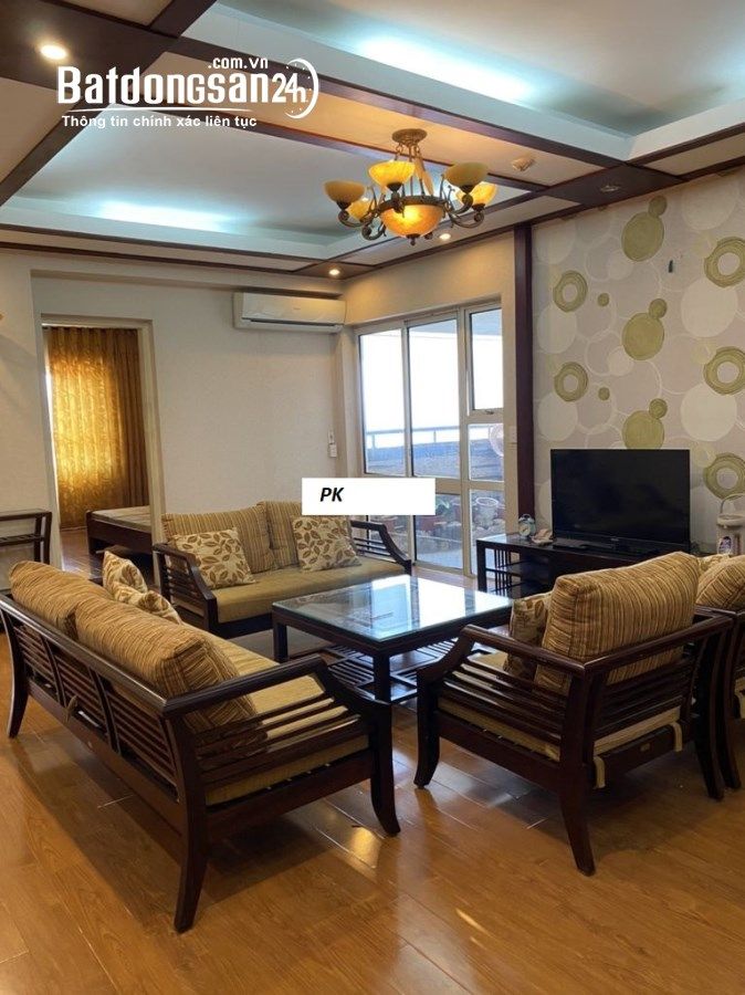 Cho thuê căn hộ 101 Láng Hạ, Đống Đa 145m 3pn full đồ, ban công ĐN giá 18t
