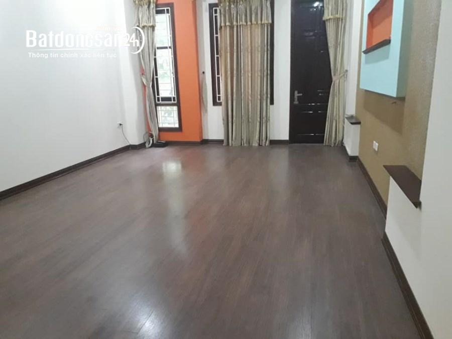 Cho thuê sàn văn phòng ngõ 104 Nguyễn Phúc Lai, diện tích 150m2, giá 12 tr/th