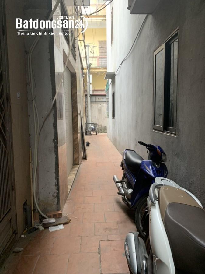 Cho thuê nhà riêng 4 tầng diện tích 25m2/sàn,có đủ đồ gần cổng chợ Đại Từ