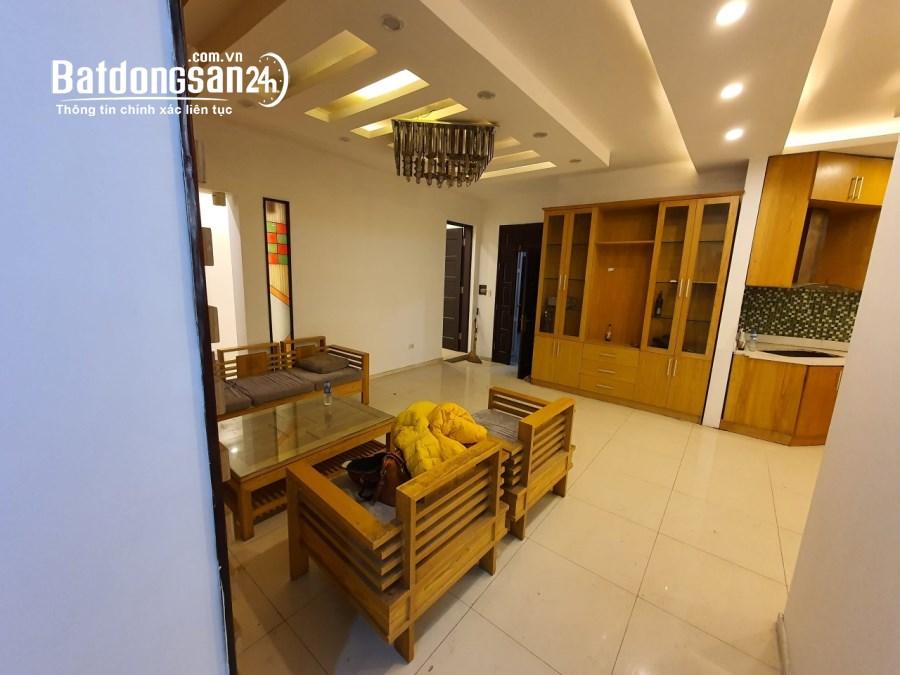 Cho thuê căn hộ chung cư ngõ 238 Hoàng Quốc Việt 120m 3PN đồ cơ bản nhà đẹp