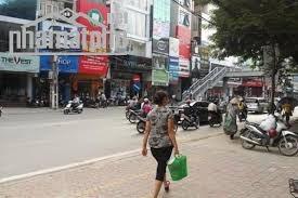 Bán căn góc 2 mt D2 - MT Nguyễn Gia Trí. DT: 8,4x20m 2 lầu giá chỉ 45 tỷ