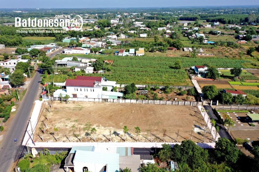 Bán gấp 2 lô đất MT đường lớn trung tâm thành phố Phú Mỹ