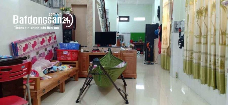 Bán nhà gấp, Lê Đình Thám, Tân Phú 1 trệt, 2 lầu,Dt: 45m2, chỉ 3tỷ7