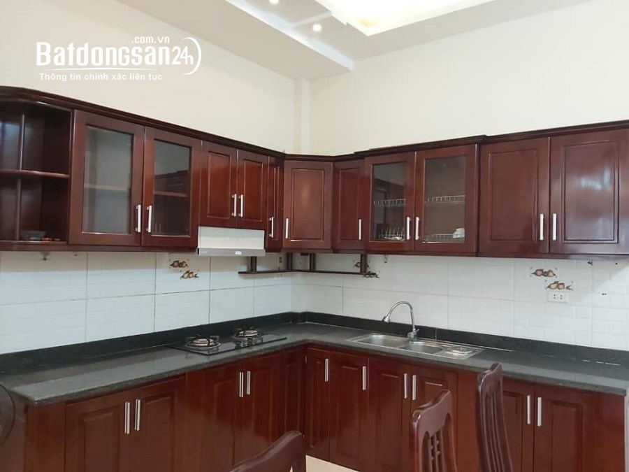 Bán nhà mới Thanh Am , diện tích 33 m2, giá siêu lời 2.35 tỷ.