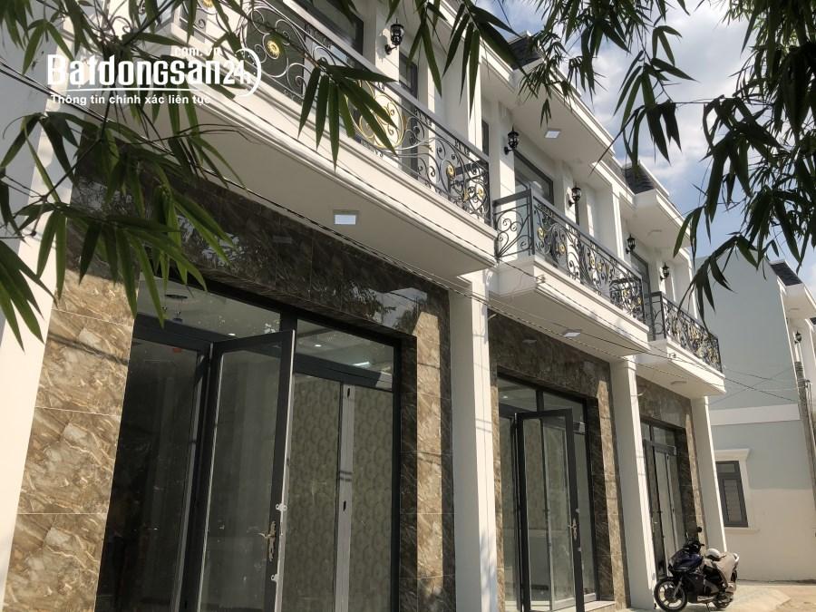 20 Căn nhà phố đối diện KCN Cầu Tràm giá rẻ shr đường oto