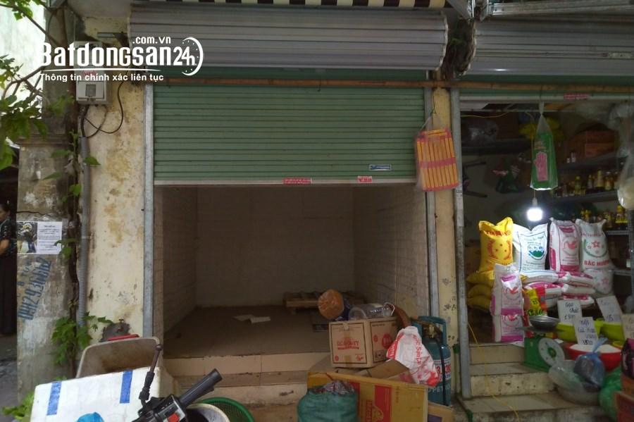 Trống 3 kiot bán hàng mặt đường chợ Châu Long. 9m2