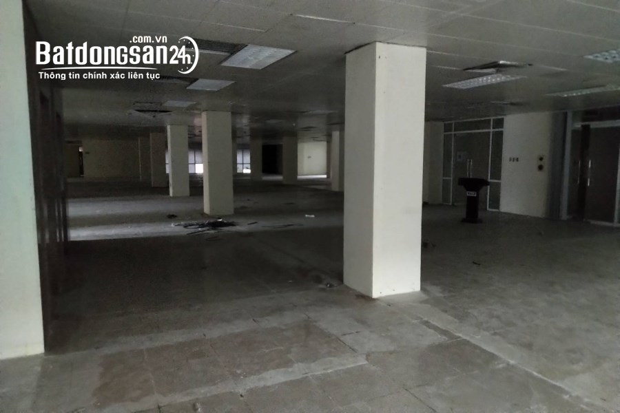 Sàn 1000m2 tại Cung Văn Hóa, giá 280k / m2. Sân rộng có hầm để xe