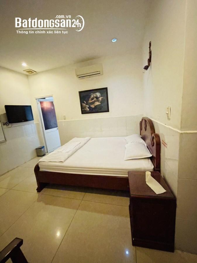 Cho thuê khách sạn khu Trung Sơn, 14 phòng, sang trọng, giá rẻ.