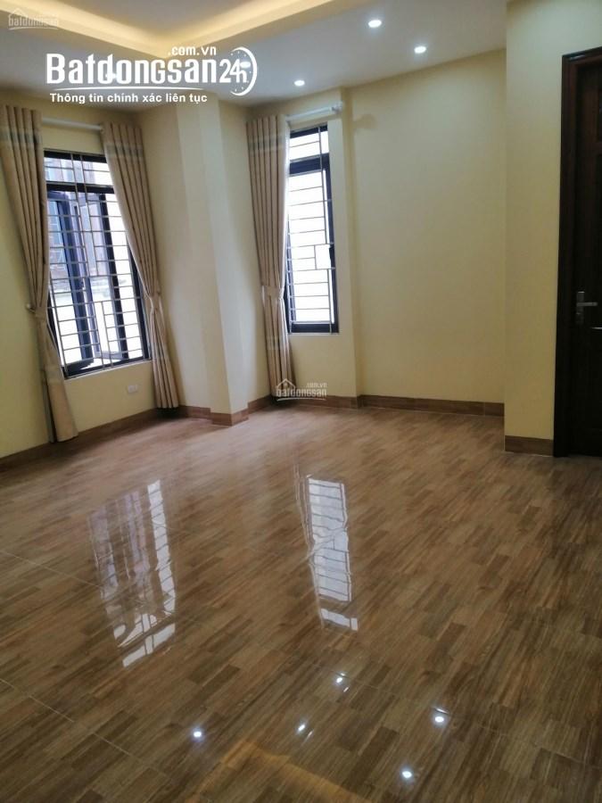 Nhà riêng cho thuê, 70m2x5T, mặt tiền 5m, để thông, nhà đẹp sạch.