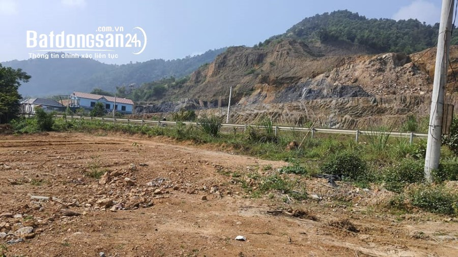 Bán đất Xã Hòa Bình, TP -  Hoà Bình 2000m2 làm kho xưởng quá chất