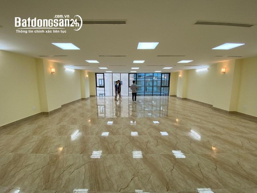 Quận Thanh Xuân: Cho thuê văn phòng,showroom 150m2 cực đẹp gần Ngã Tư Sở