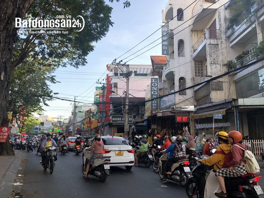 Cho thuê nhà MT Đường Phan Chu Trinh, Phường Bến Thành, Quận 1