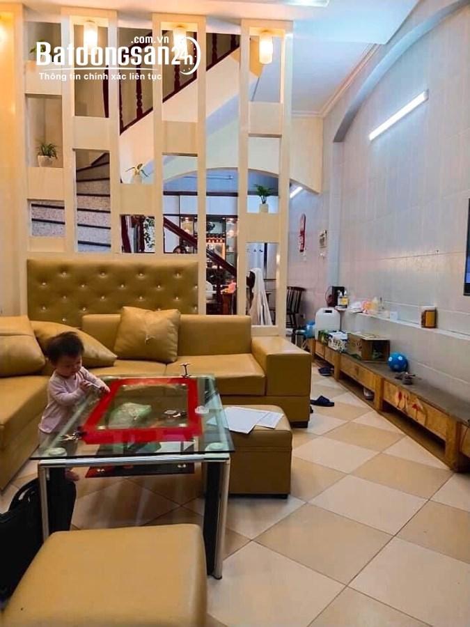 Bán nhà đẹp Nguyễn Lương Bằng, 48m, 3 tầng, ngõ nông gần phố giá chỉ 4.2 tỷ