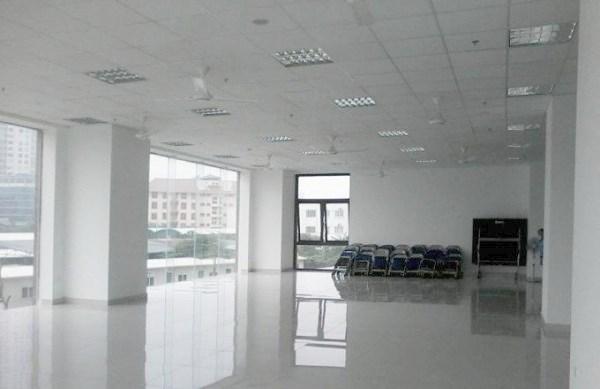 Cho thuê mặt bằng văn phòng 100m2 18 triệu phố Hoàng Cầu