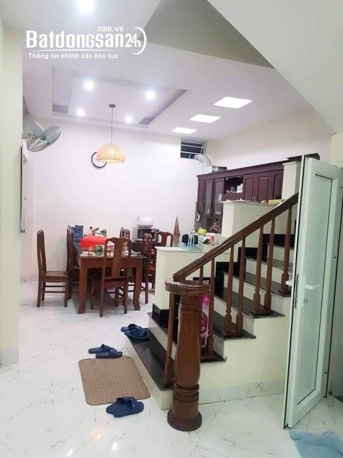 Bán nhà riêng Lương Định Của 5 tầng 3 mặt thoáng cạnh TTTM Vincom giá 5.3 tỷ