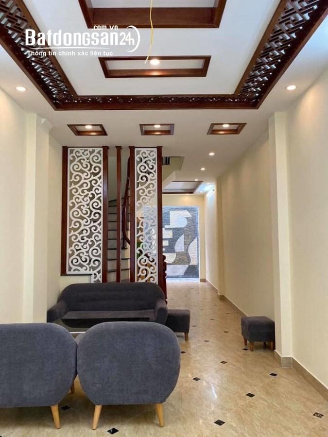Bán nhà đẹp 4 tầng, ngõ rộng thoáng, cách phố Bùi Xương Trạch 20m giá 3,8 tỷ.