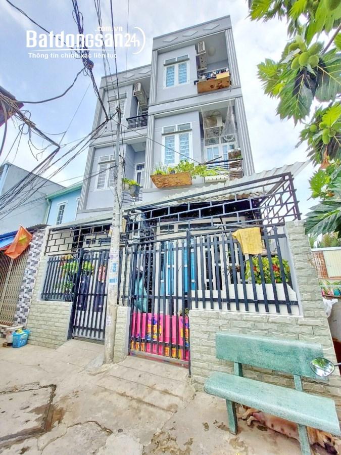 Bán nhà 2 lầu hẻm 3m 226 đường Nguyễn Bình thị trấn Nhà Bè