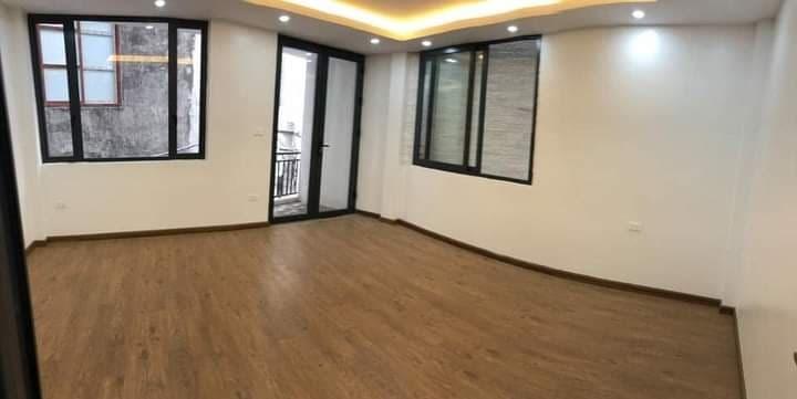 Nhà đẹp mới xây quận Hai Bà, 40m2 5T, oto cách nhà 10m, nhỉnh 4tỷ.