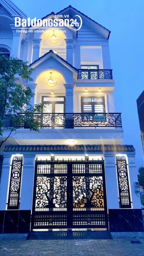 Cần bán gấp căn biệt thự mặt tiền đường Lạc Long Quân phường 2 –TP - Vũng Tàu.