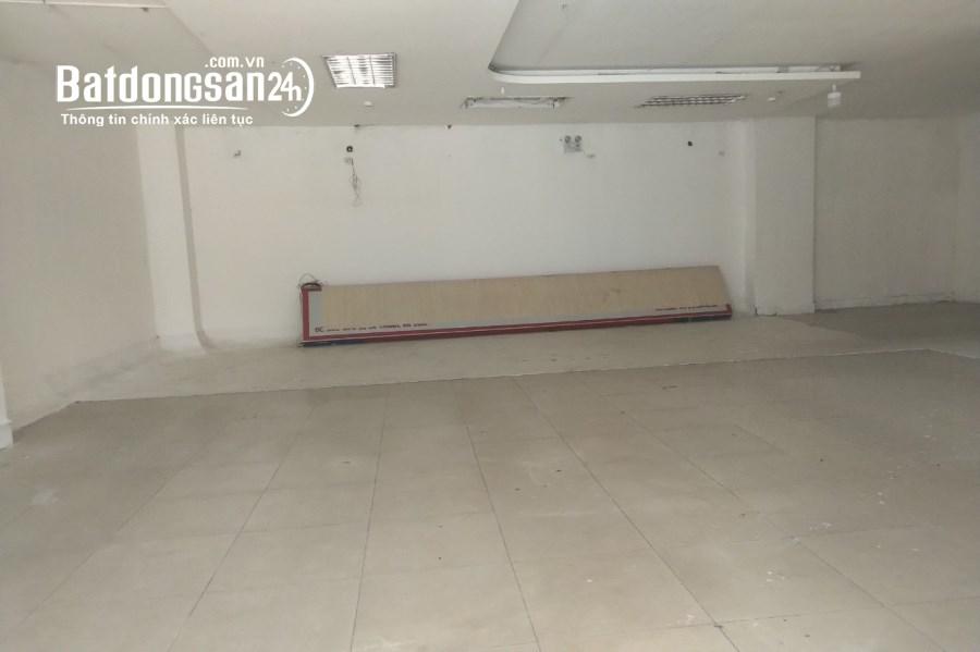 Mặt bằng chân chung cư kv Kim Mã. 170m2, chỉ 17TR. Oto đỗ cửa.