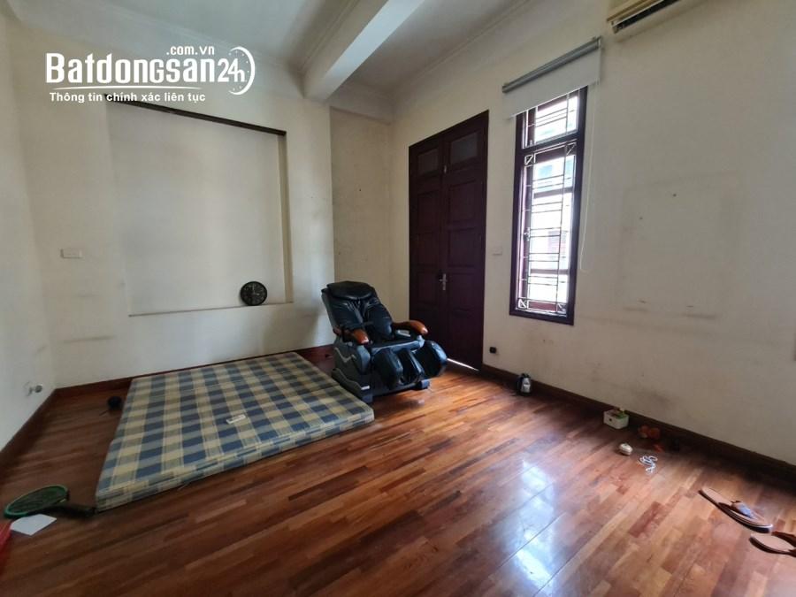 Cho thuê nhà Dịch Vọng Hậu: DT60m2, 5 tầng, MT5.6m, ô tô vào nhà, giá 18tr