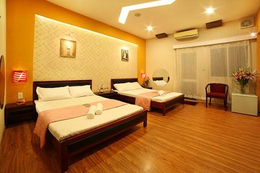Cần bán khách sạn 32 phòng mặt tiền Trần Quý Cáp .