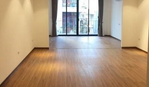 Chính chủ cho thuê văn phòng dt 40m2 mặt phố Trương Hán Siêu, Hoàn Kiếm