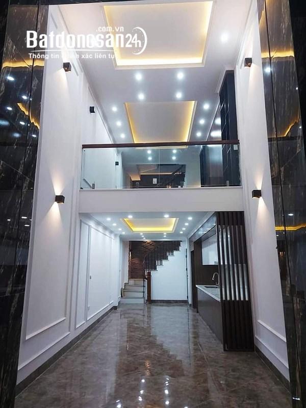 Bán nhà hẻm Nguyễn Tri Phương quận 10 50m2 giá chỉ 5.2 tỷ.