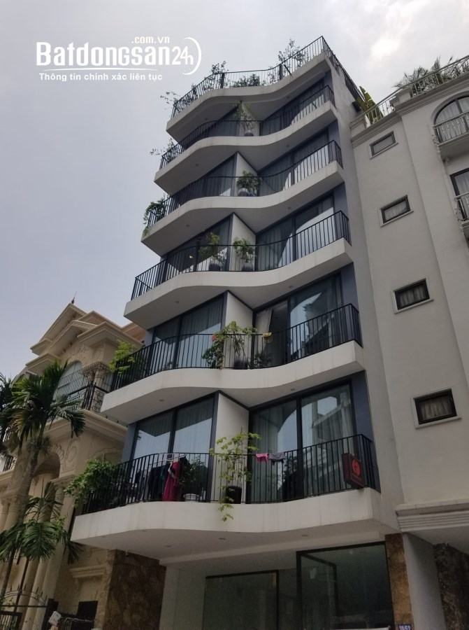 Apartment mặt phố gần Hồ Tây, 12P dòng tiền 120tr/tháng. 110m2x8T MT8.5m 54tỷ